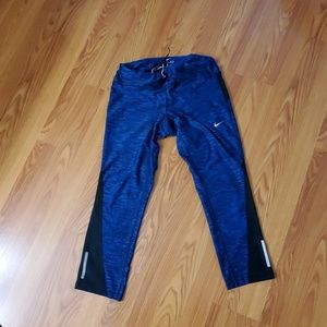 Nike dri-fit cropped running leggings size Medium